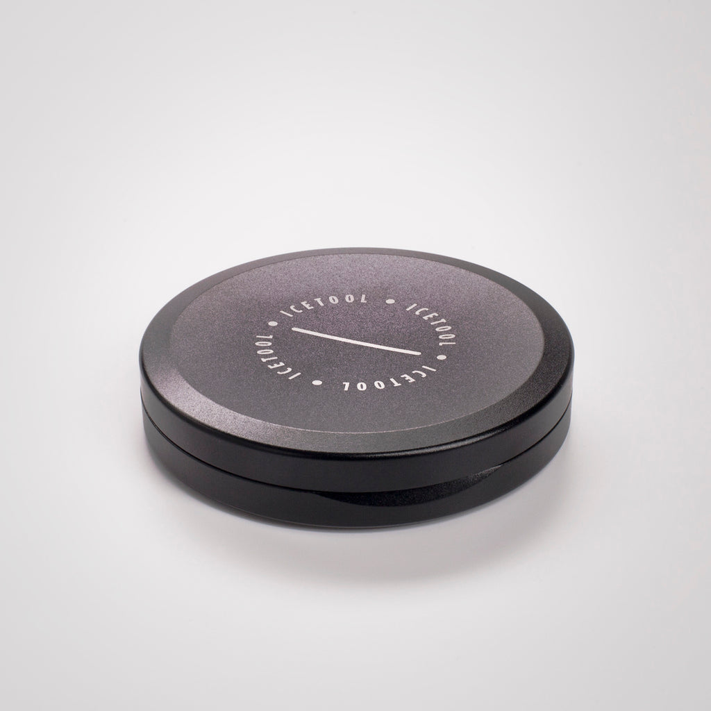 Icetool Slim Can for portion snus and nicotine pouches. Black anodised aluminum.