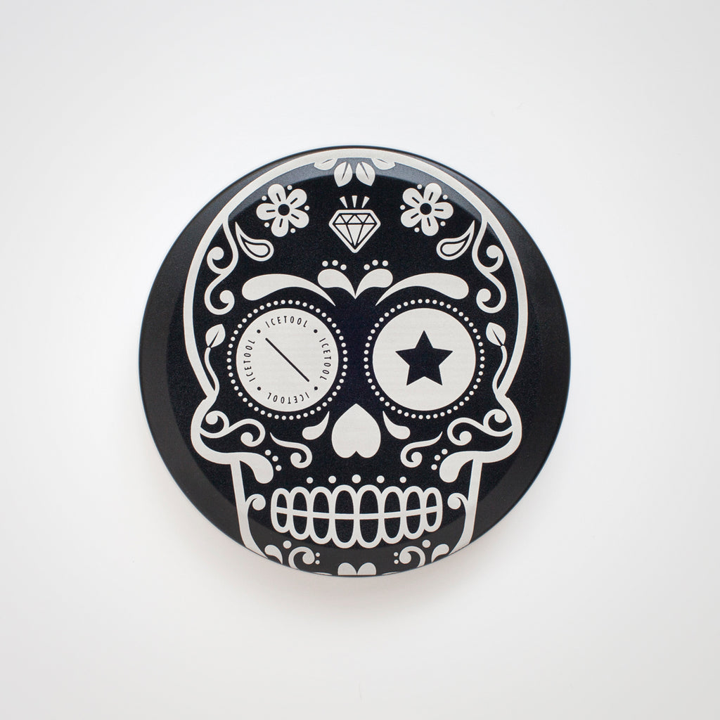 Icetool Slim Can for portion snus and nicotine pouches. Black color anodised aluminum with Sugar Skull graphics.