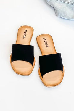 Vacation Ready Thick Band Slides in Black