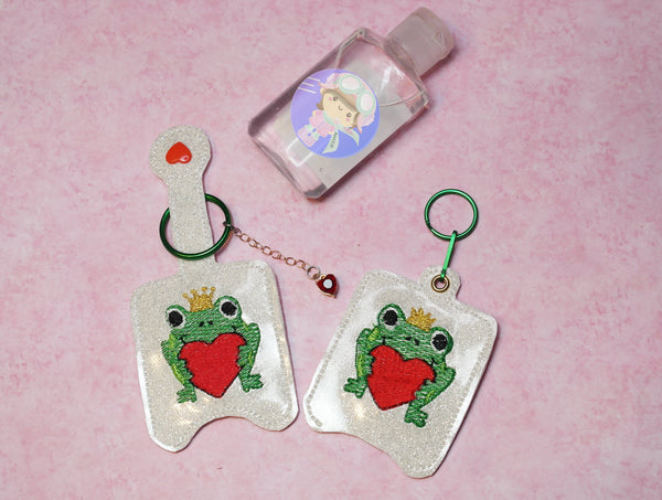 Frog with Heart Small Hand Sanitizer Snaptab and Eyelet