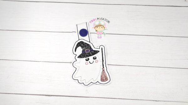Ghost with Broom Snaptab and Eyelet
