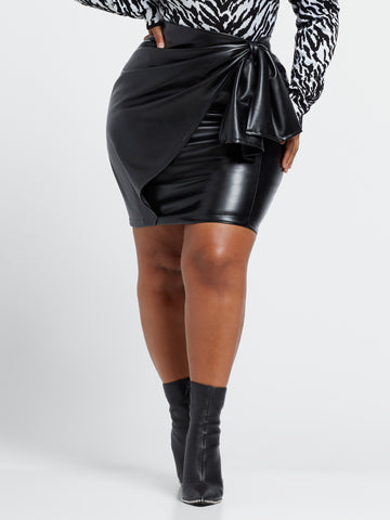 Karla Faux-Leather Pencil Skirt in Black
