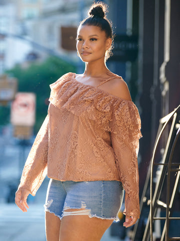 Illiana Lace Off Shoulder Top in Nude