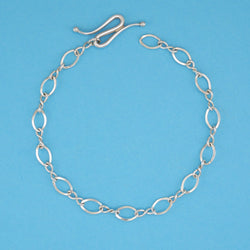 Figure Eight Flat Chain - Charmworks