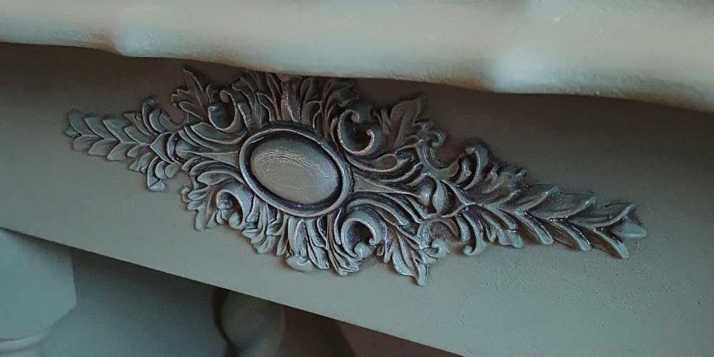 WoodUbend moulding used to decorate a table