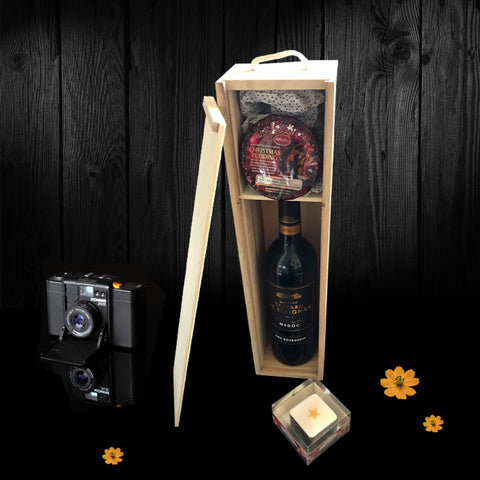Image of The Riverton Wine & Gift Box. A Great Valentines Gift