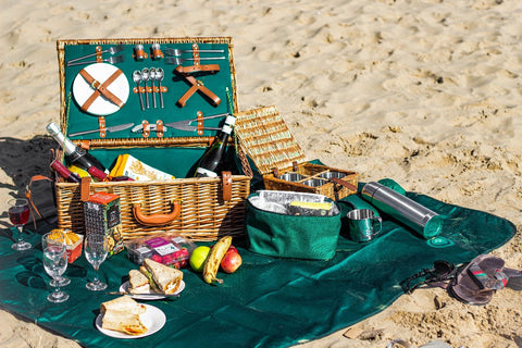 The Regal Wicker 4 Person Picnic Basket.  A perfect family gift for outdoor dining.