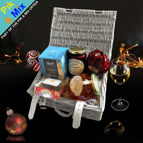 Image of The Merry Xmas Gift Basket.  A Perfect Xmas Gift for friends and family