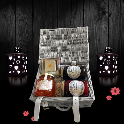 Image of The Be My Valentine Gift Basket. A Perfect Valentines Gift.