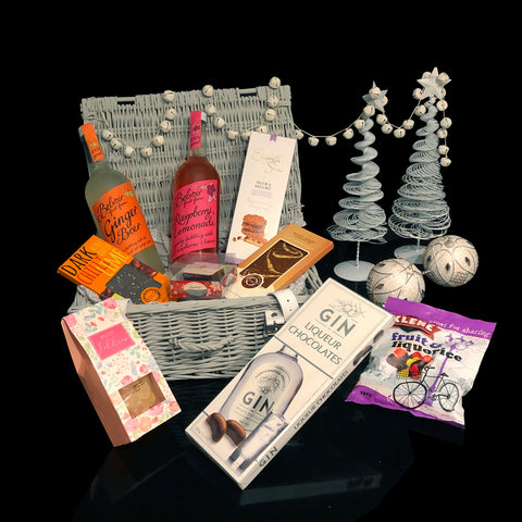 The Festive Christmas Gift Basket.  A Beautiful Holiday Gift.