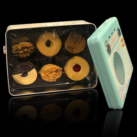 Image of Retro Vintage Radio Cookie Tin. A great luxury gift.