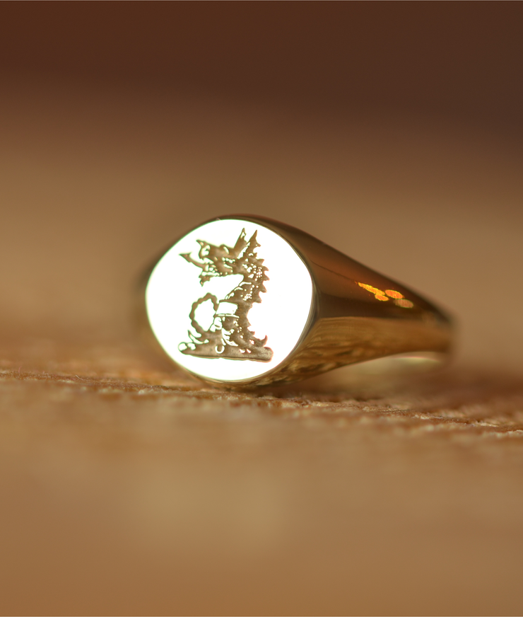 Custom Made Round Family Crest Ring-Minimalist Designs