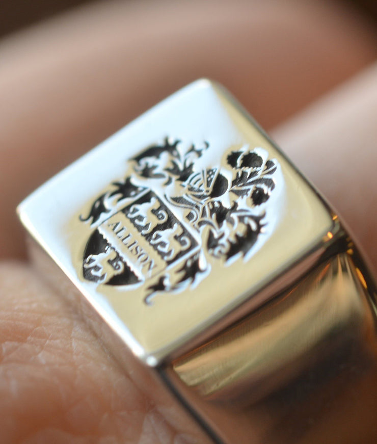 Personalized Square Family Crest Ring-Minimalist Designs