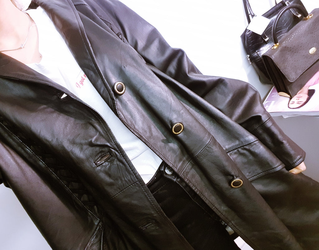 Vintage Black Leather Jacket with Plaited Shape