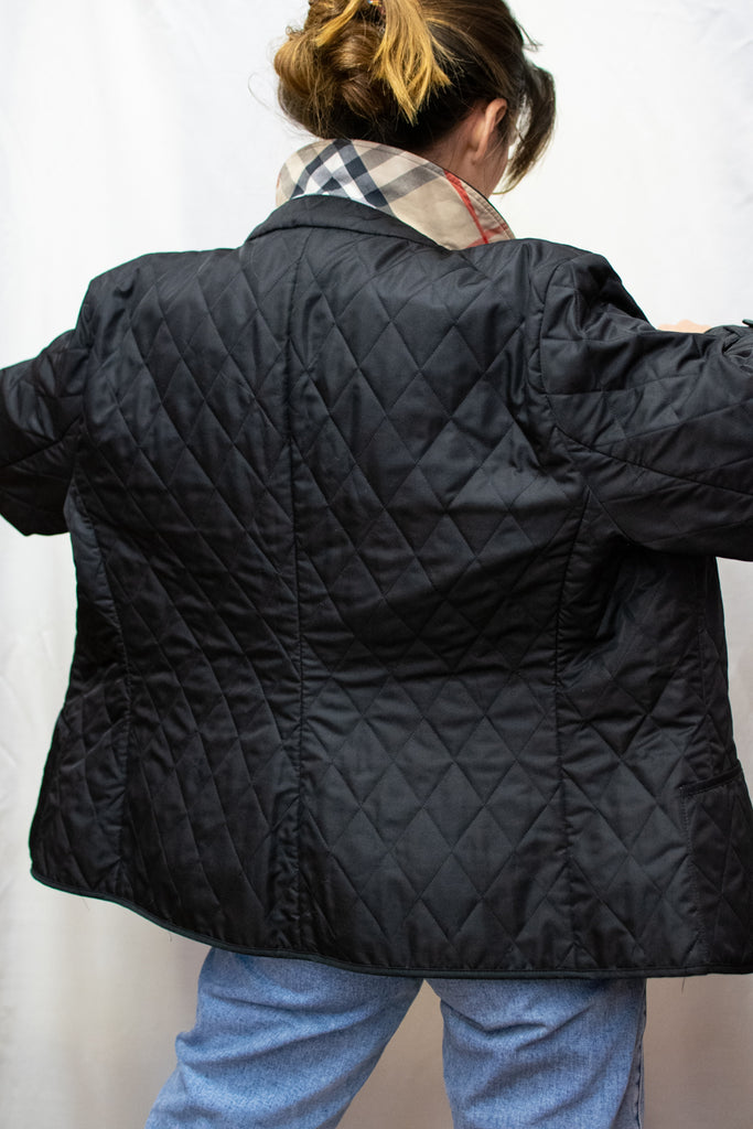 Black Burberry Jacket With Checkered Linning - Excelent Condition!