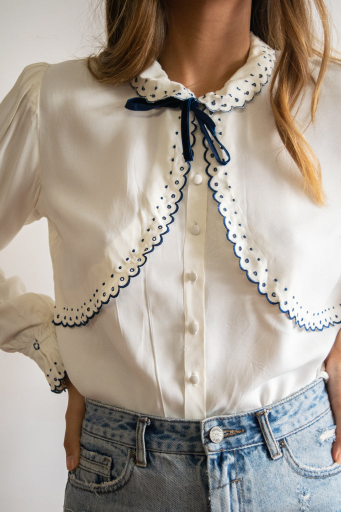 50s White and Navy Blue Vintage Blouse with Tie and Embroidery