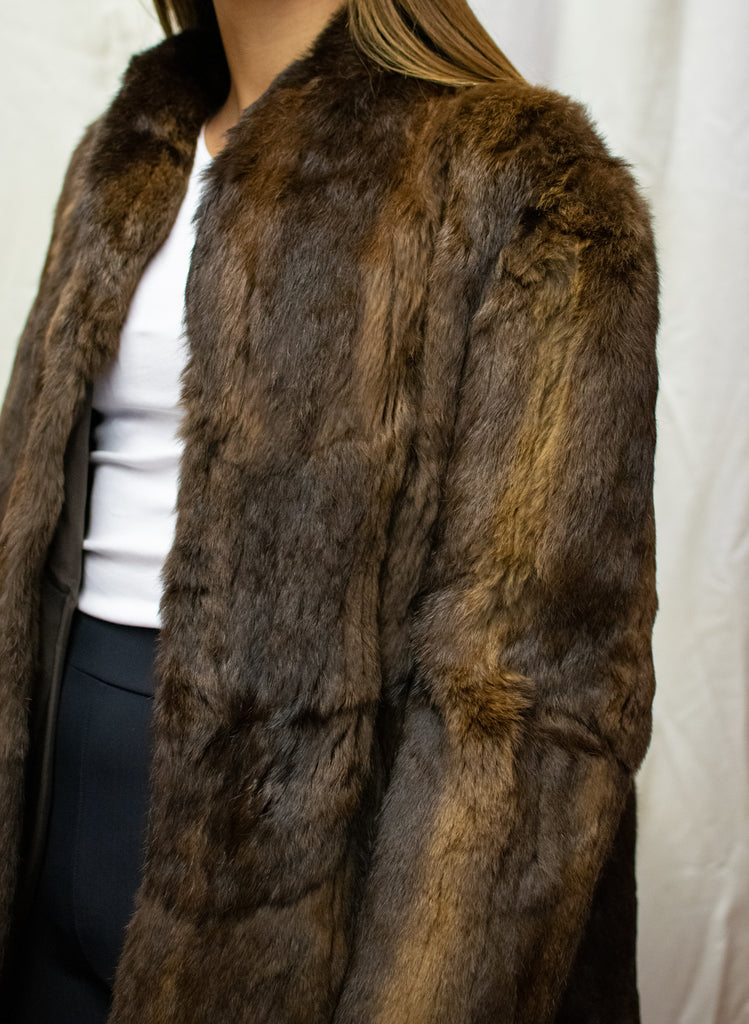 Classic Fur Coat - in Brown