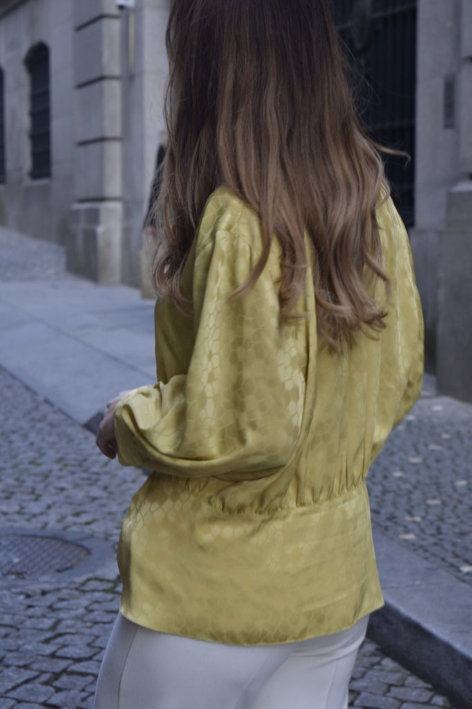 Silk v-neck Blouse in Yellow - from Paris
