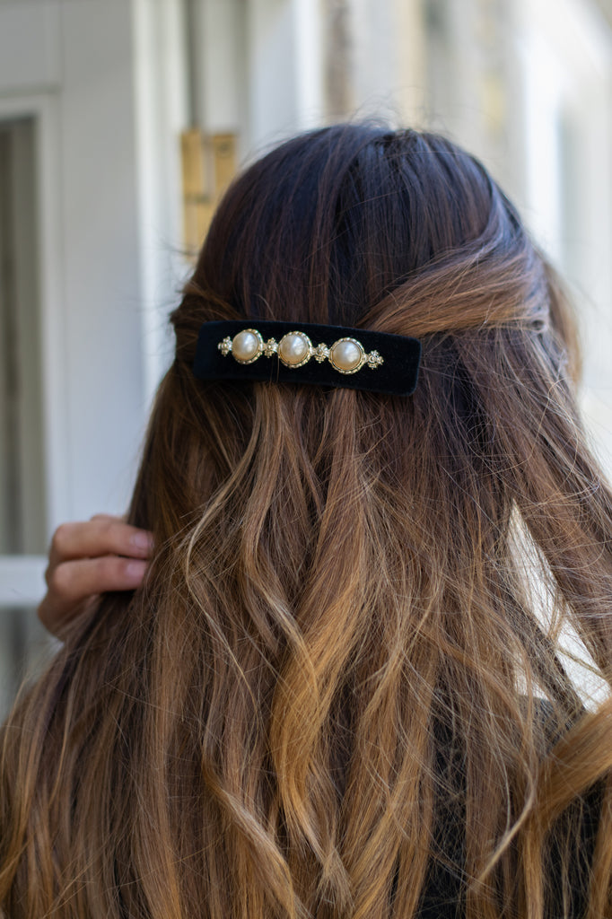 Vintage Black Hairpin with Pearls