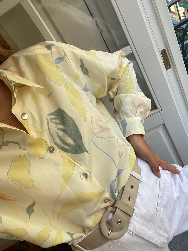 vintage long sleeve blouse with abstract design in pastel colors