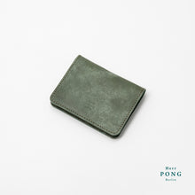 Load image into Gallery viewer, Card Holder (4 cards) in Vegetable Tanned Leather