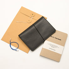 Load image into Gallery viewer, Leather Notebook Cover Black + 2-pack of the original Berlin Notebook gift set
