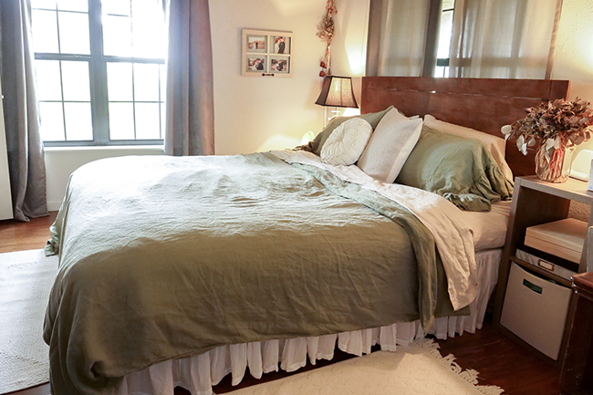 organic bedding, wool mattress, organic mattress, linen sheets, all natural bedroom, diy bedframe