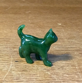 Jade Cat, Walking