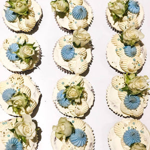 12 Regular Sweet Blue Cupcakes