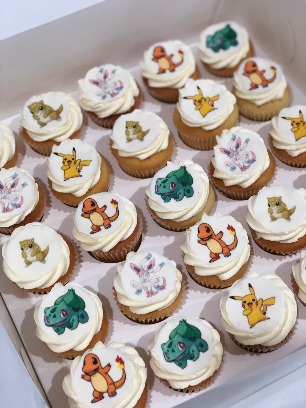 24 Mini Pokemon Cupcakes