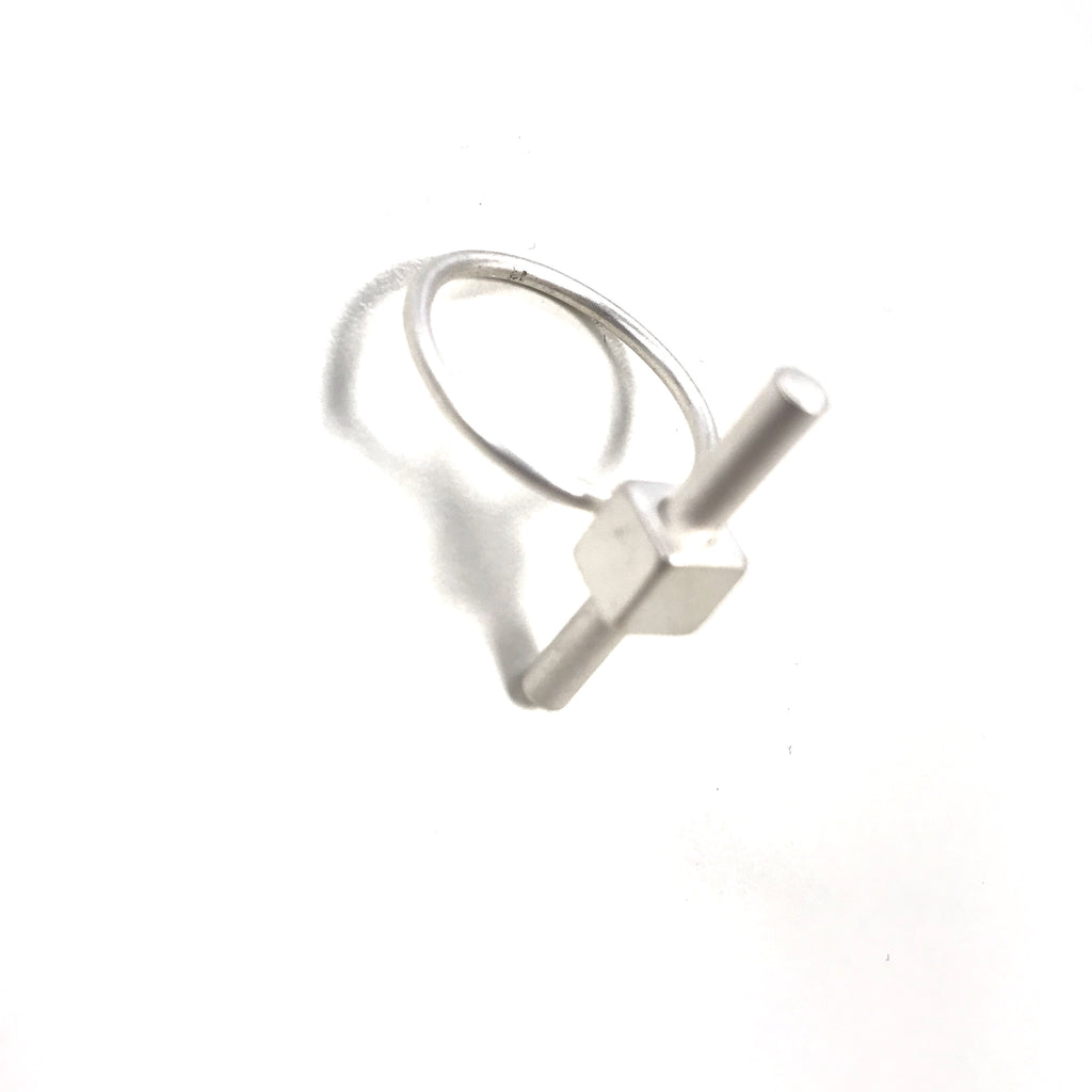Vertical Flat Bar Ring