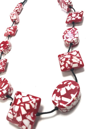 scandi beaded necklace bright red white black