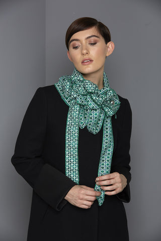 Meggy - Green Collar Scarf