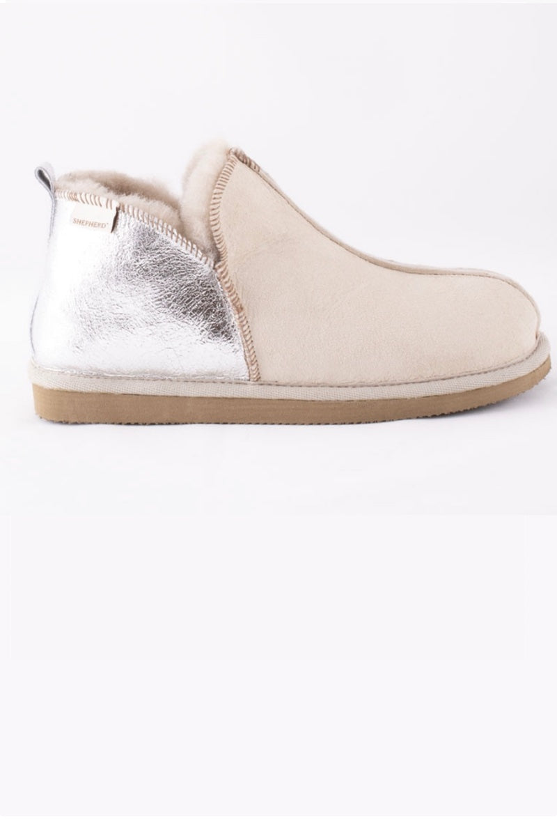Annie - Honey + Silver Sheepskin Slipper