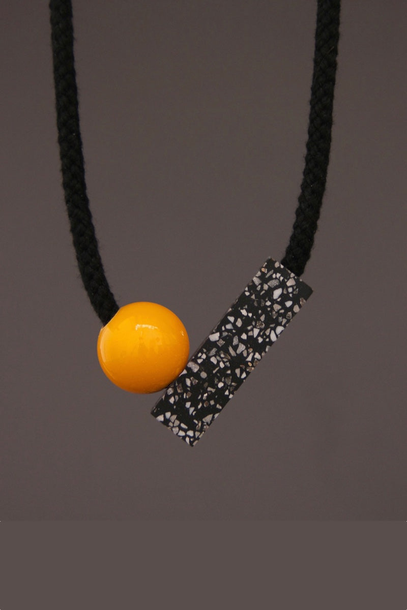 AD- Yellow unusual geometric necklace