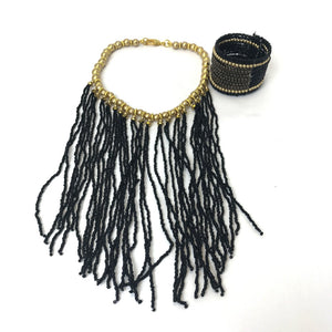 Lizzy - beaded necklace