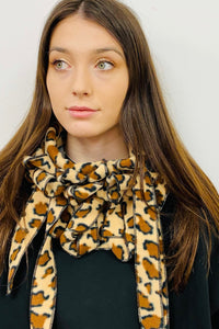 Giraffe Slight Second - Button and Go Scarf Collar.