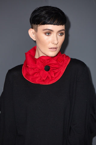 The poppy collar