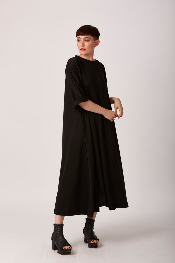 zana midi black swing dress