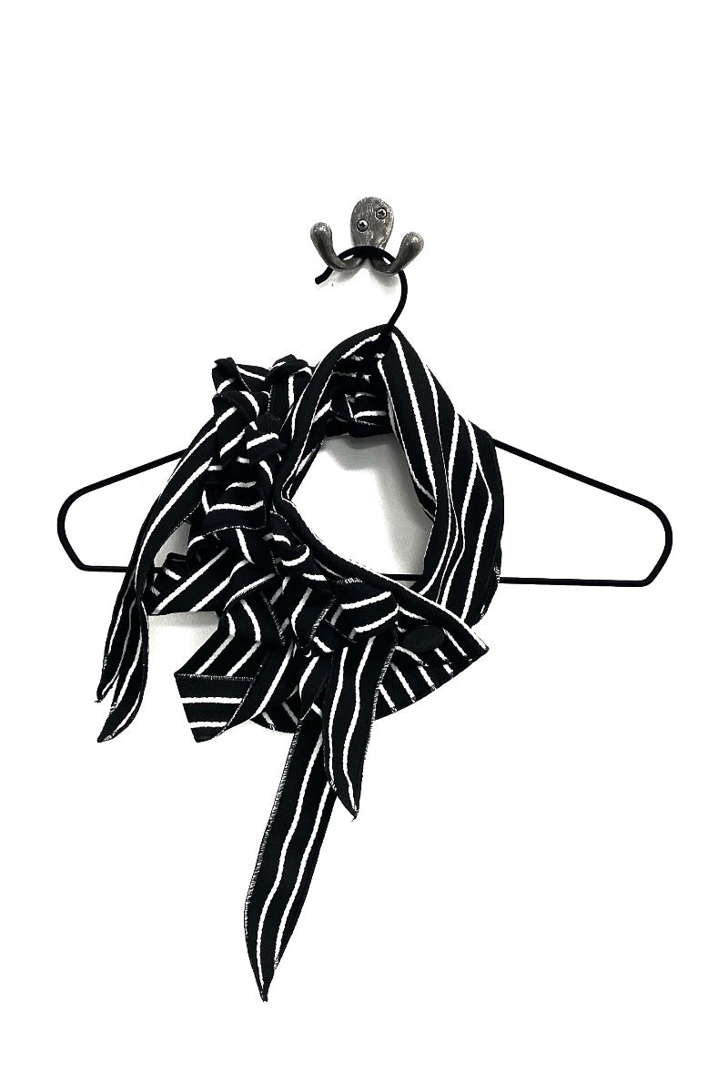 unusual striped black and white scarf