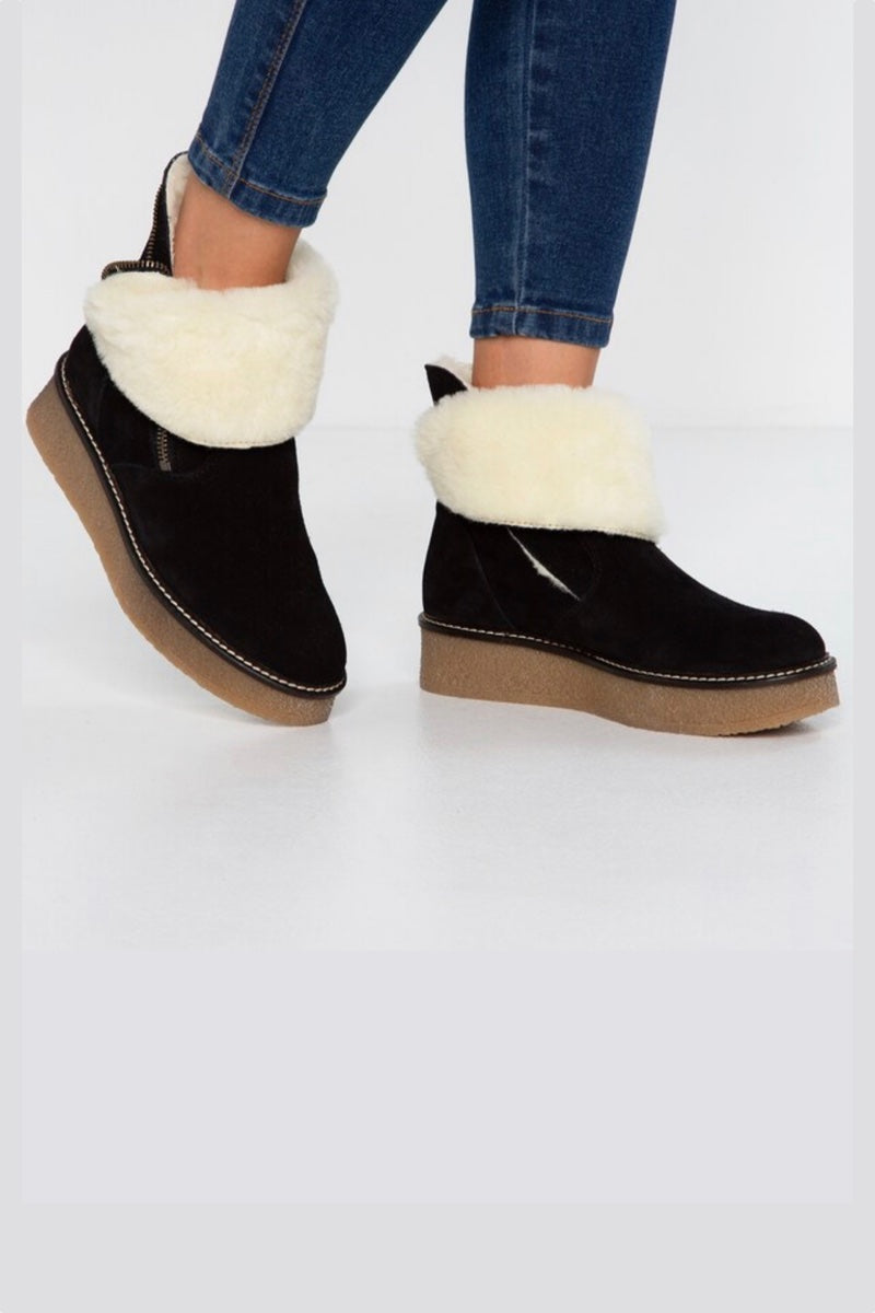 unusual winter boots wide fit