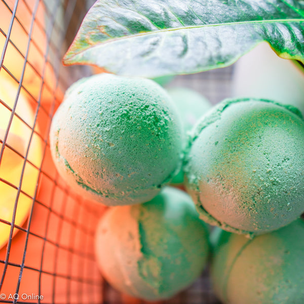 Revitalising Peppermint & Tea Tree Infused  Bath Bomb- AQ Online
