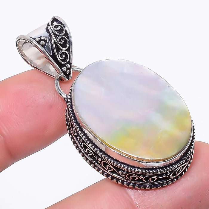 Mother Of Pearl Gemstone Vintage Jewelry Pendant 1.8 Inches RP140