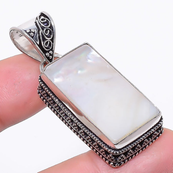 Mother Of Pearl Gemstone Vintage Jewelry Pendant 1.9 Inches RP143