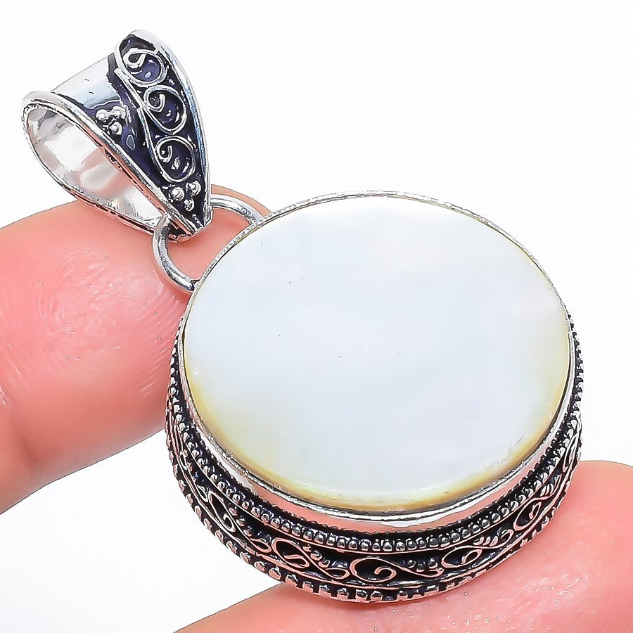 Mother Of Pearl Gemstone Vintage Jewelry Pendant 1.7 Inches RP1657