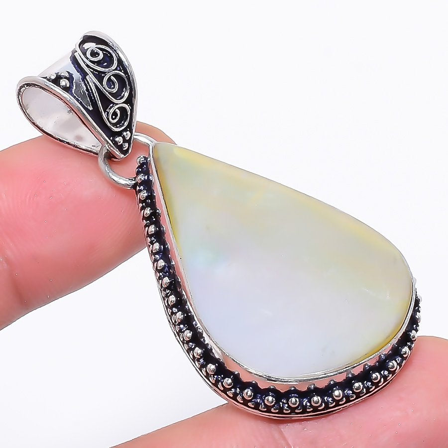 Mother Of Pearl Gemstone Handmade Jewelry Pendant 2.0 Inches RP17