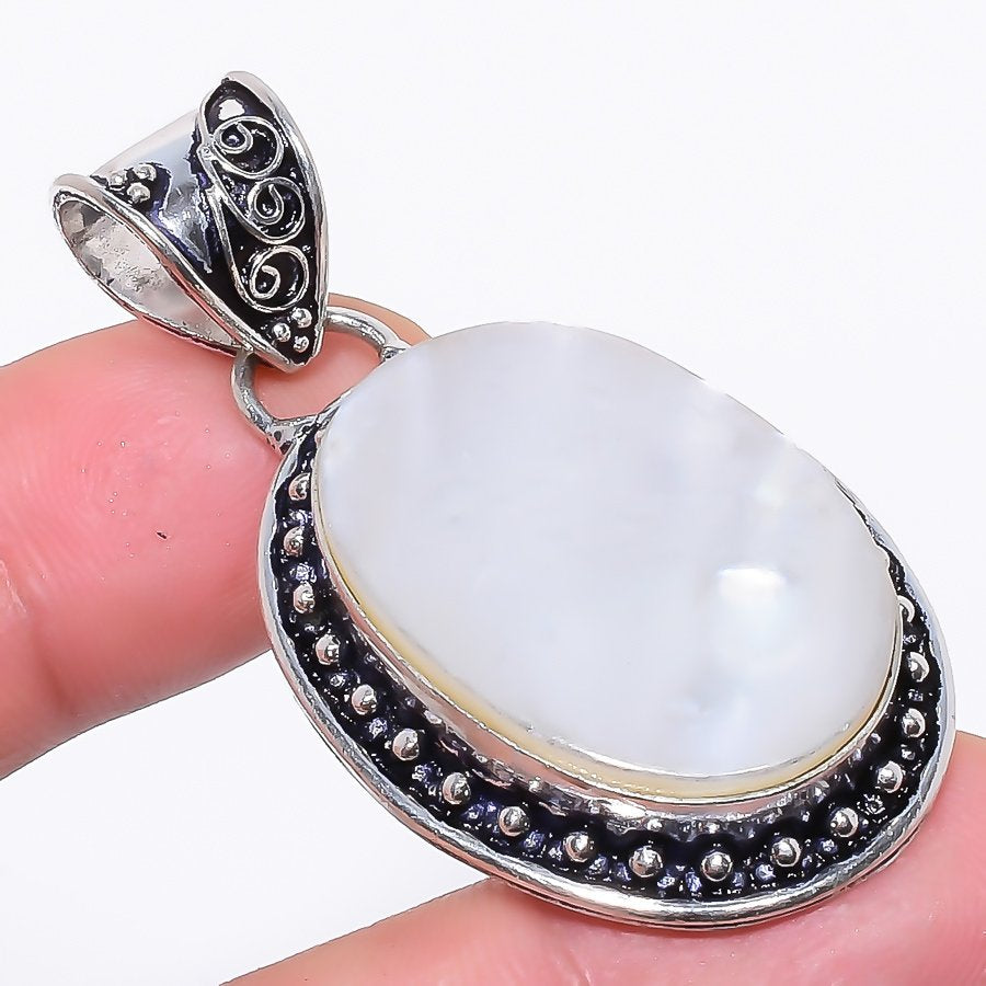 Mother Of Pearl Gemstone Handmade Jewelry Pendant 2.2 Inches RP94