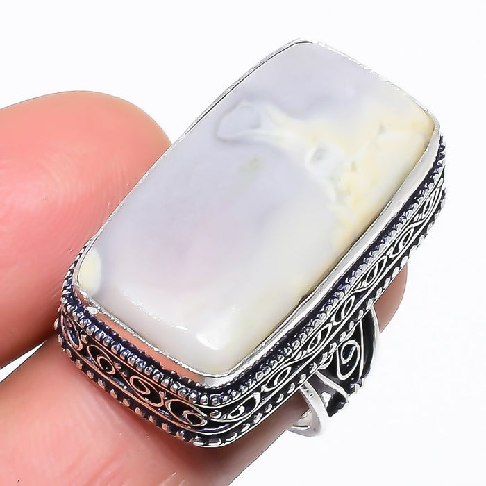 White Agate Gemstone Vintage Jewelry Ring Size 7 RR1484