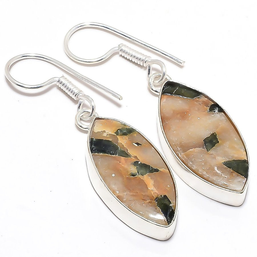 Mosaic Oyester Shell Gemstone Jewelry Earring 1.8 Inches RJ3576