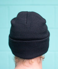 Load image into Gallery viewer, Village Dubbin solid black beanie